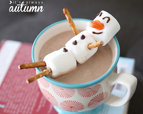 marshmallow-snowman-hot-chocolate-easy-kids-food-craft-activity-winter-fun-how-to-make-a-marshmallow-snowman-4-1